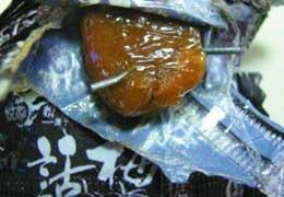 悦家食品话梅糖里藏2厘米铁丝